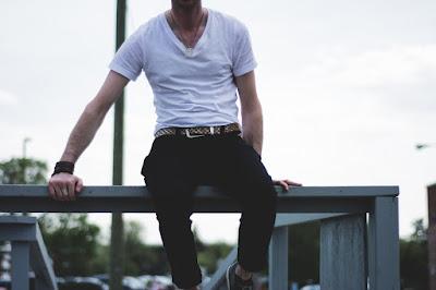 5 Aksesoris Fashion Pria Ini Bikin Kamu Tampil Berkarakter Dan Menarik