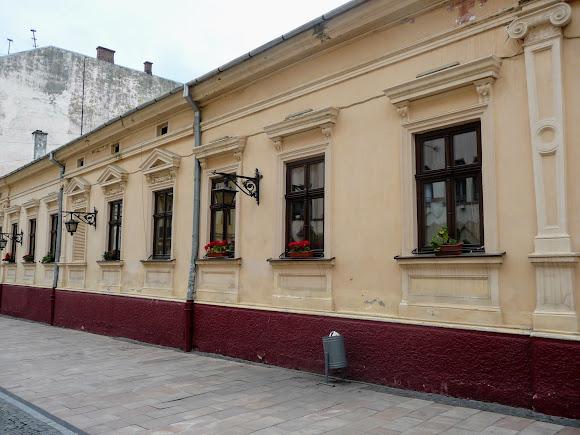 Черновцы. Улица О. Кобылянской, 40. Детское дошкольное учреждение