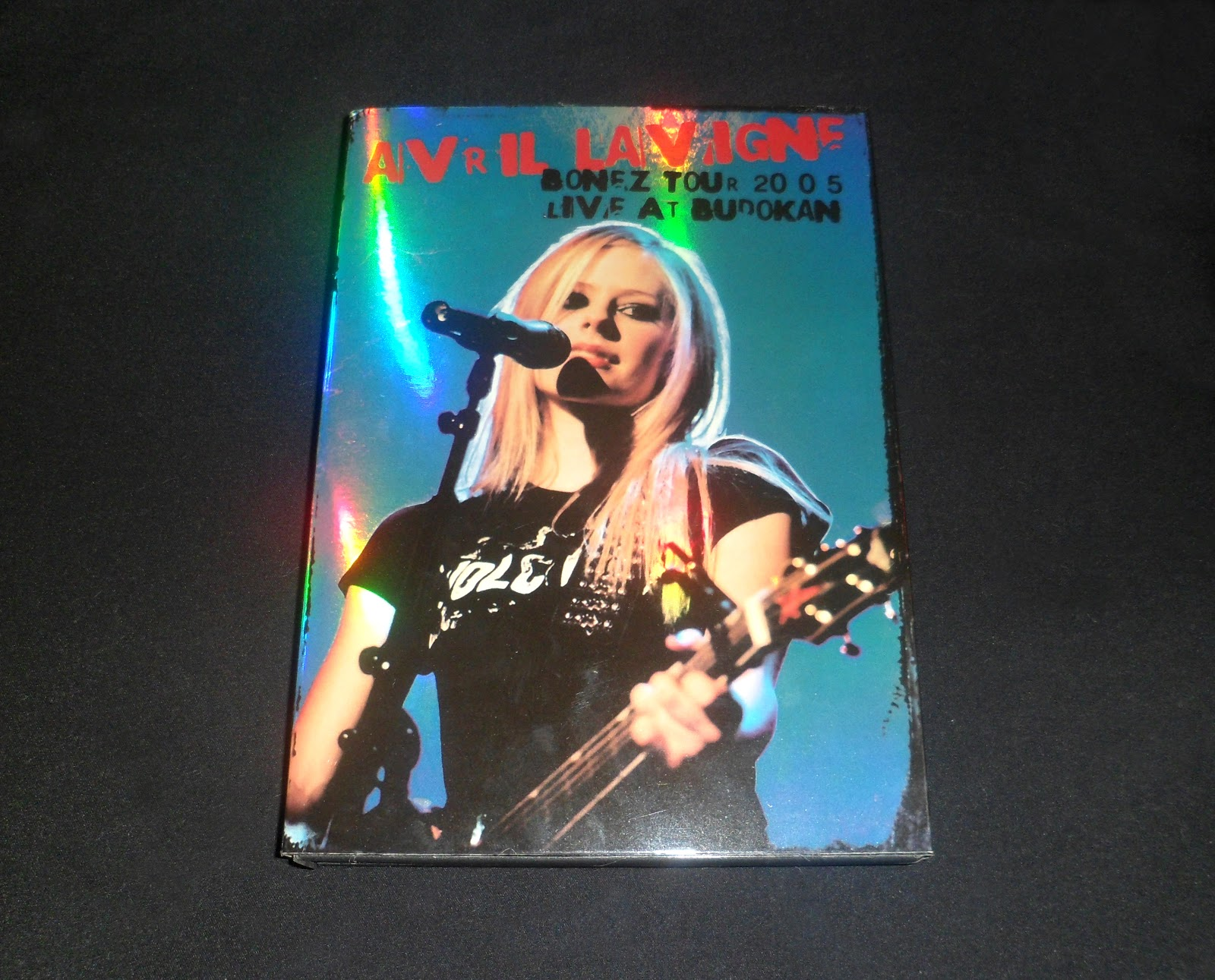 show avril lavigne bonez tour 2005 live at budokan