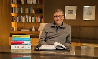 Bill Gates có niềm đam mê đọc sách bất tận