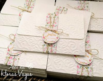 convite de aniversário infantil personalizado artesanal 1 aninho jardim encantado floral aquarelado delicado rosa branco borboletas menina