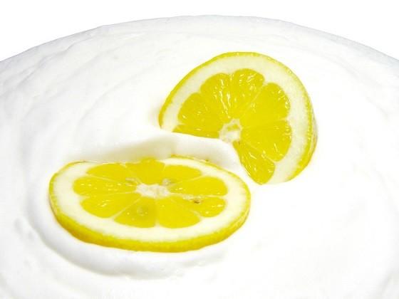Cách chữa trị viêm nang lông tại nhà bằng sữa tươi và chanh