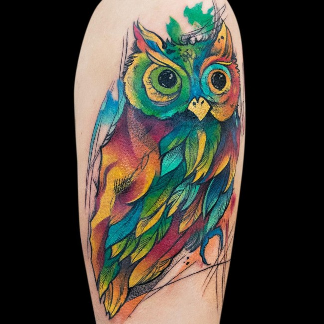 tatuaje de acuarela con un buho