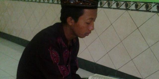 Meski Giat Mempelajari Ilmu Perkuliahan, Pemuda Ini Tetap Menjaga Hafalan Qur'annya