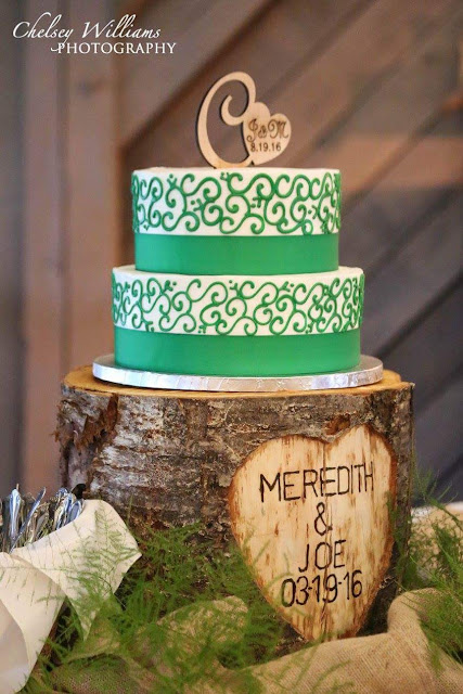 Wedding cake, green cake, cake stand, wood cake stand