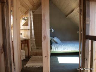 De badkamer en de kleine slaapkamer