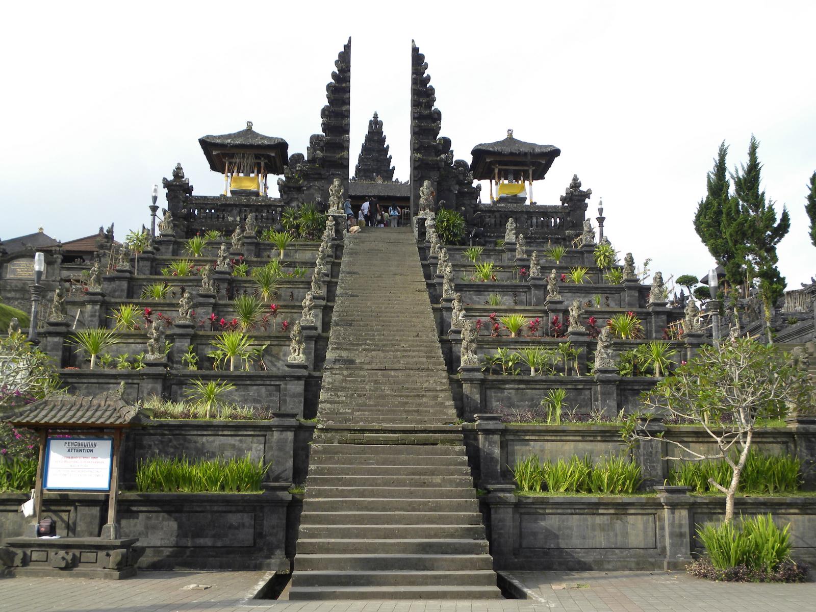Tempat wisata di Bali di Pulau Besakih