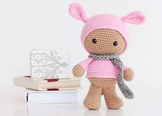 Amigurumi muñeca conejo