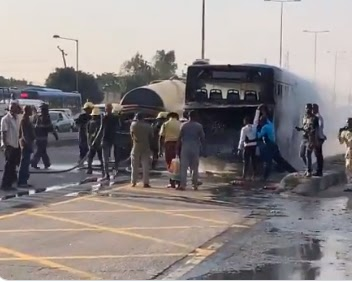 [VIDEO] Water from sewage truck used to quench fire on burning BRT bus in Lagos