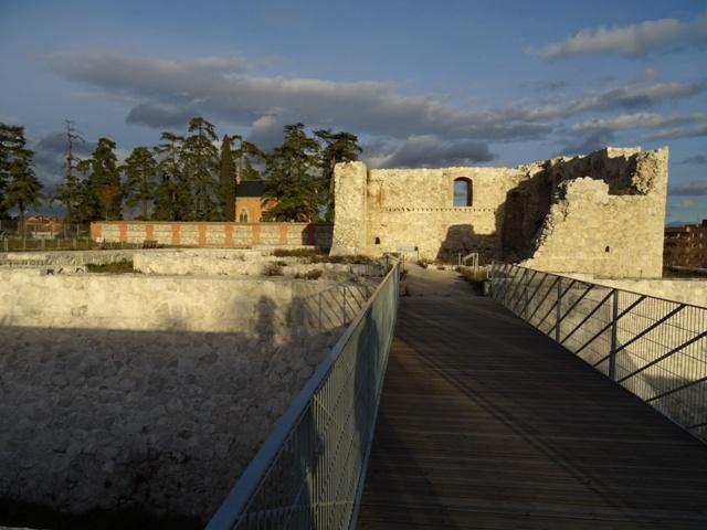 Puente y Panteón al fondo