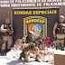 Policiais da Rondesp arrecadaram doces e brinquedos e levam alegria para bairros carentes de Itaberaba
