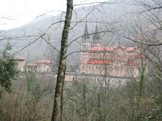 Rutas Montaña Asturias: Basílica de Covadonga
