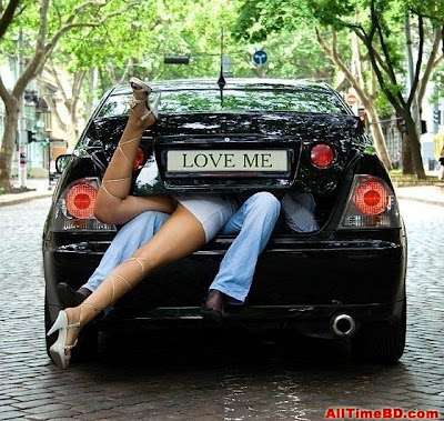 Woman funny kising picture Funny photos