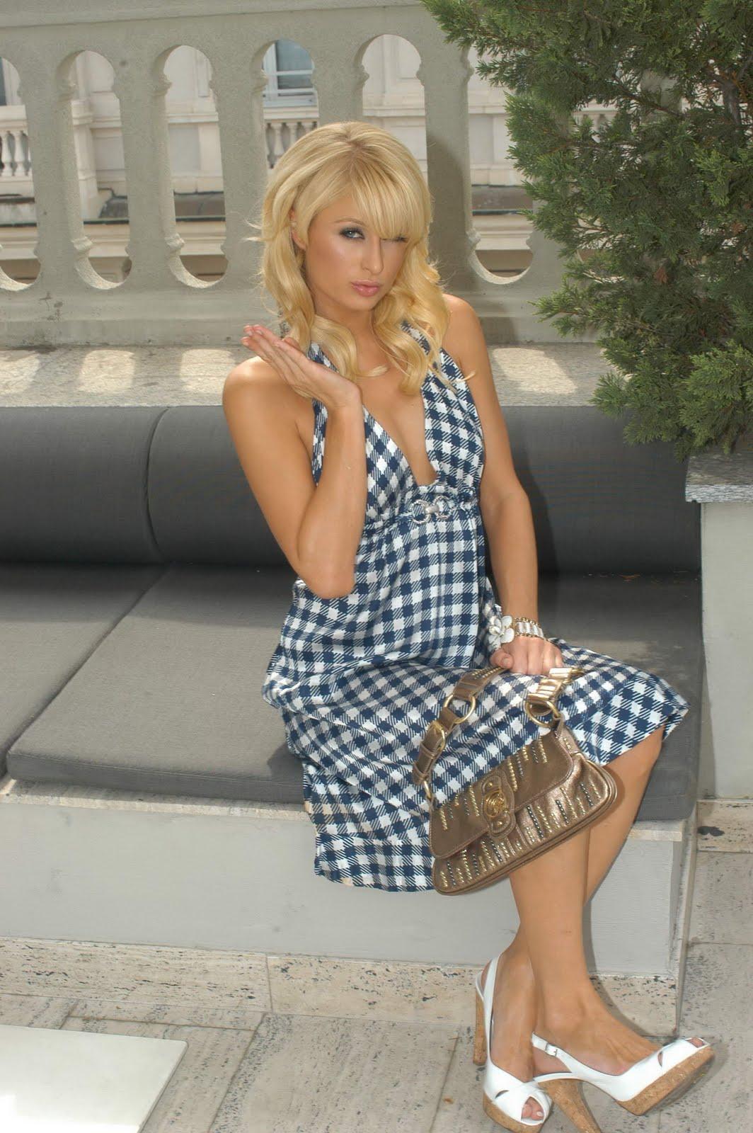 Levi Wallpaper Iphone Paris Hilton Latest Hd Wallpapers
