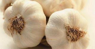 ΠΡΟΣΟΧΗ: Τι ασθένειες θεραπεύει το σκόρδο σε άδειο στομάχι