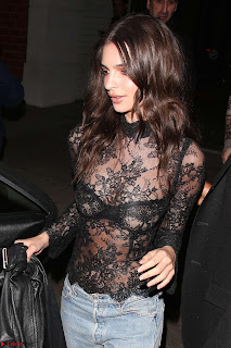 Emily Ratajkowski Exposing his beautiful nipples in a Transparent Top in Beverly Hills at Gagosian Gallery Opening