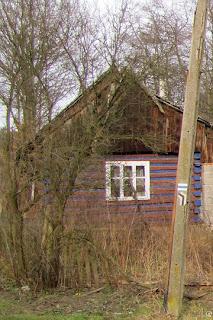 Stary dom w Mnikowie Skała.