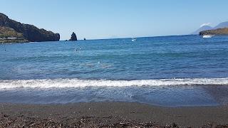 Spiaggia di sabbia nera