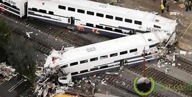 Metrolink Crash - $ 500 Juta