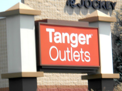 Outlet Shopping at the Tanger Outlets in Hershey Pennsylvania