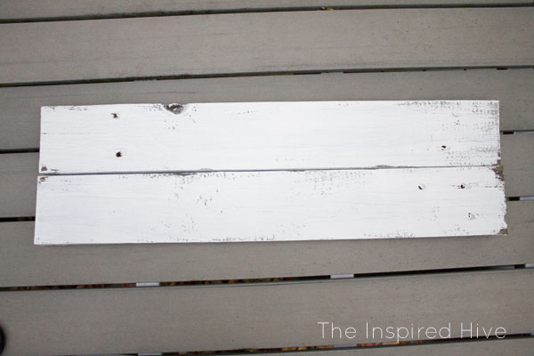 "How to make an easy DIY reclaimed wood farmhouse style ""Farmer's Market"" sign using an easy text transfer method."