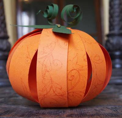 http://papelisimo.es/2014/10/como-hacer-calabaza-papel-ninos-halloween-diy-paper-pumpkin/