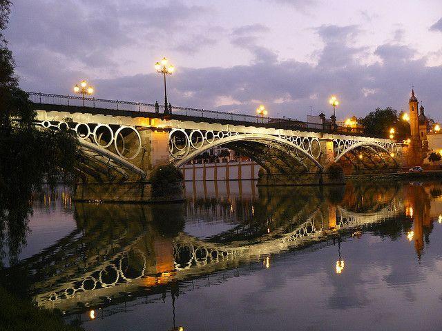 Puente Triana em Sevilha