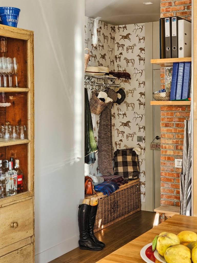 Mieszkanie z kuchnią w stylu loftu z ceglaną ścianą - wystrój wnętrz, wnętrza, urządzanie domu, dekoracje wnętrz, aranżacja wnętrz, inspiracje wnętrz,interior design , dom i wnętrze, aranżacja mieszkania, modne wnętrza, loft, styl loftowy, styl industrialny, małe mieszkanie, małe wnętrza, kawalerka,