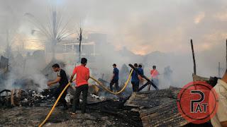 Api Hanguskan Sembilan Rumah dan Kios di Lamcot Aceh Besar