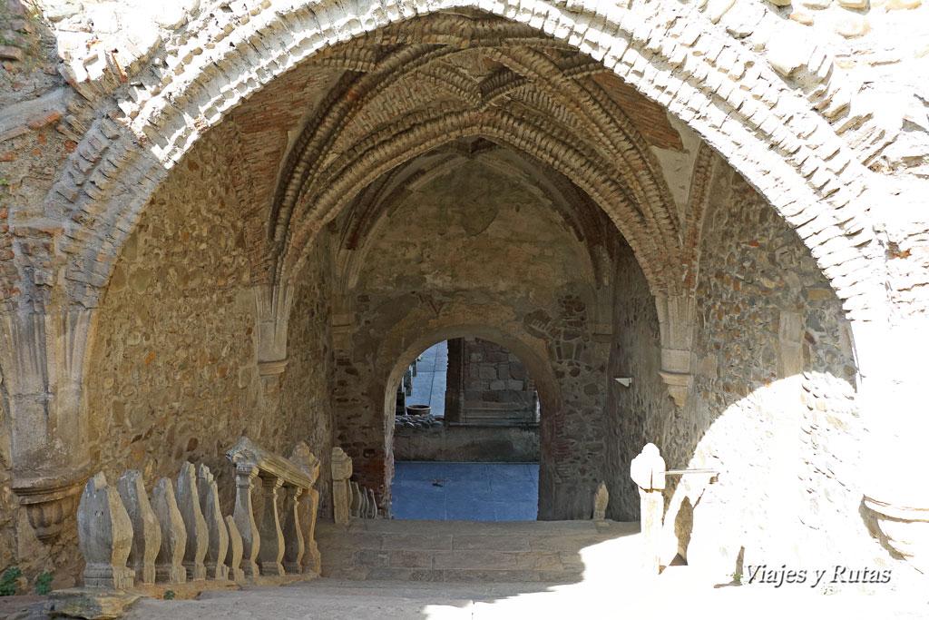Escalera Monasterio de Santa María de Carracedo