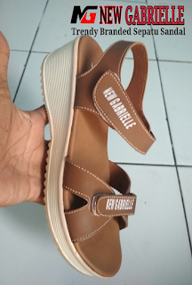 NewGabrielle top sandal