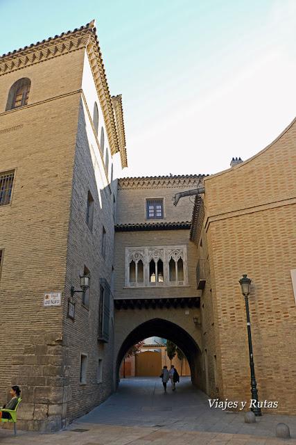 Arco del dean, Zaragoza