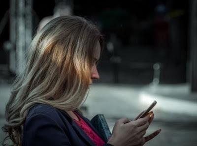 8 Chat Gelisah Cewek Pada Saat Cowok Tak Kunjung Balas Pesannya