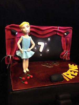 tarta; cumpleaños; fondant; tarta escenario; escenario; teatro; niña; fiesta; rosas