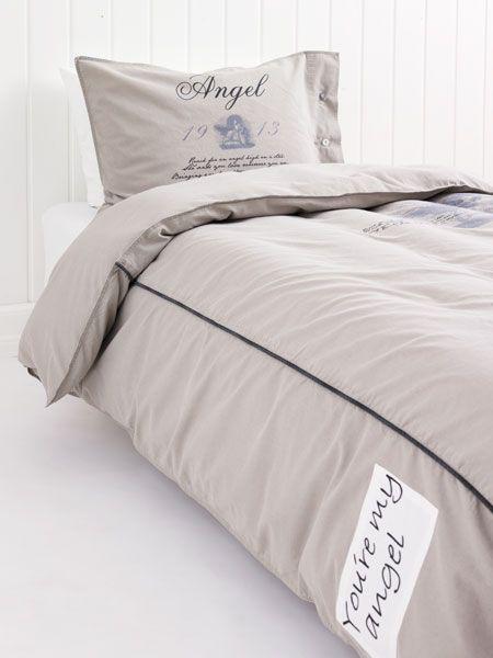 1b17f6d6 Sengetøy. Vi tilbringer nesten en tredel av livene våre i sengen, og et  mykt, behagelig sengetøy bidrar til at vi våkner uthvilte og opplagte om  morgenen.