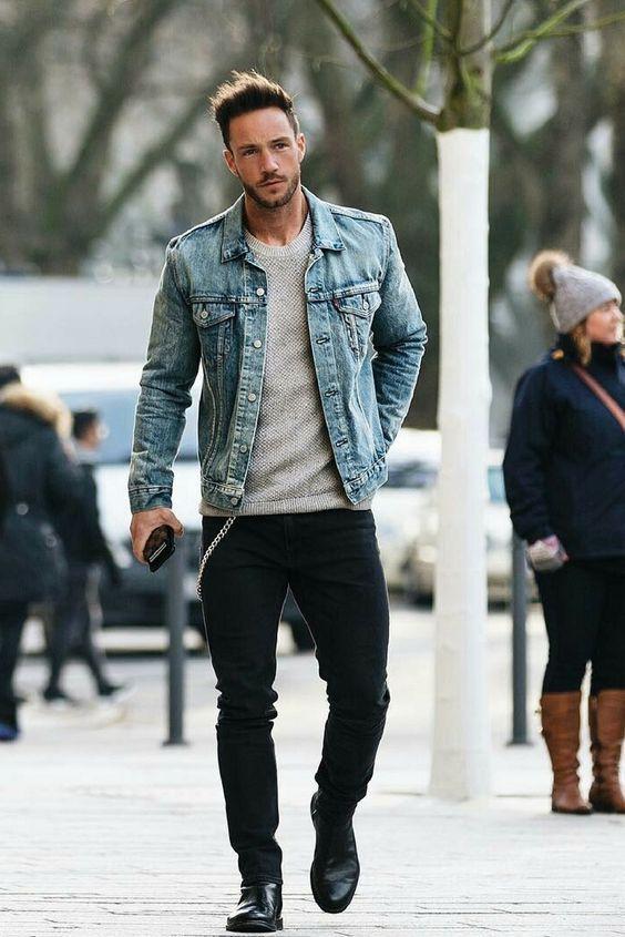 7e874abe58 Jaqueta Jeans pode ser uma baita opção também pro Look Masculino de Balada.