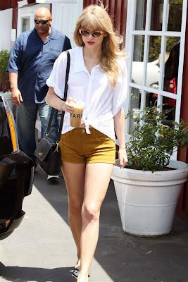 Latest Hot News Online: Taylor Swift Short Shorts Camel
