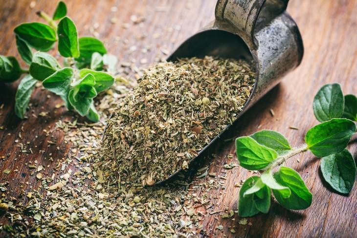 Chá De Orégano: Benefícios Para A Saúde E Emagrecimento