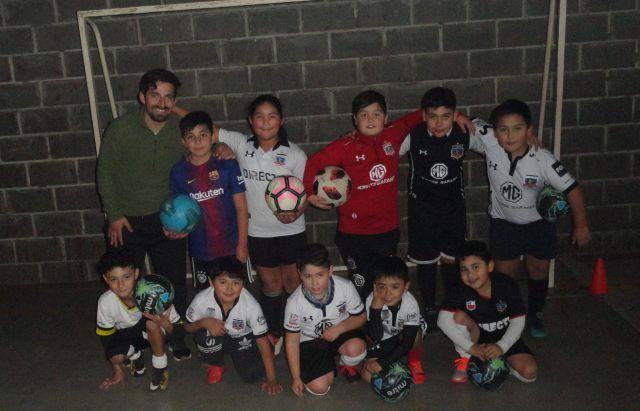 El profe Rodrigo Roa con sus discípulos