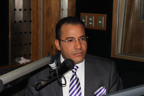 Al comunicador Salvador Holguín le confirman la condena por difamación