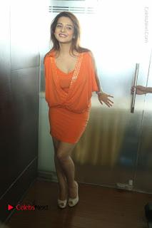 Actress Saloni Aswani Pos in Short Dress at Meelo Evaru Koteeswarudu Movie Interview  0281.JPG