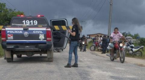 """Operação """"Blitz do Bem"""" apreende motos irregulares e flagra motorista embriagado em Breves"""
