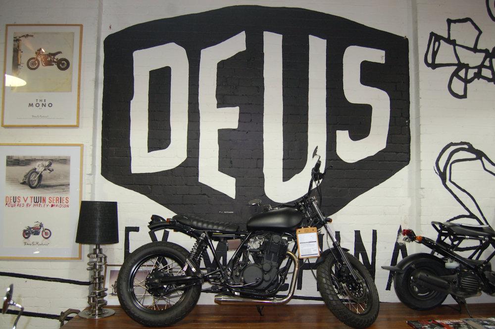 scrapbook deus ex machina bike surf design cafe. Black Bedroom Furniture Sets. Home Design Ideas