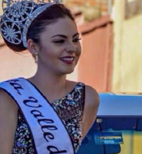 Esmeralda Solís Gonzáles adalah seorang wanita Meksiko muda yang dinobatkan tahun lalu sebagai ratu kecantikan