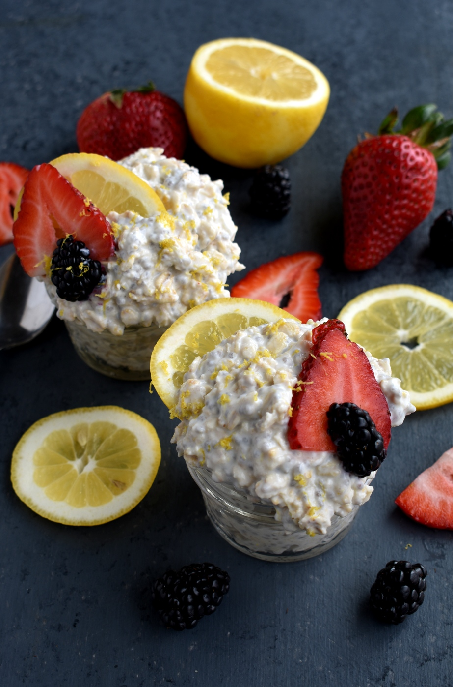 Healthy Lemon Cheesecake Overnight Oats