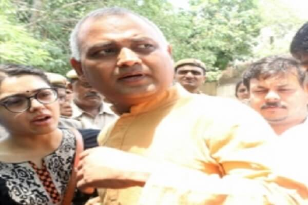 AIIMS appreciates security guards who stopped Somnath Bharti