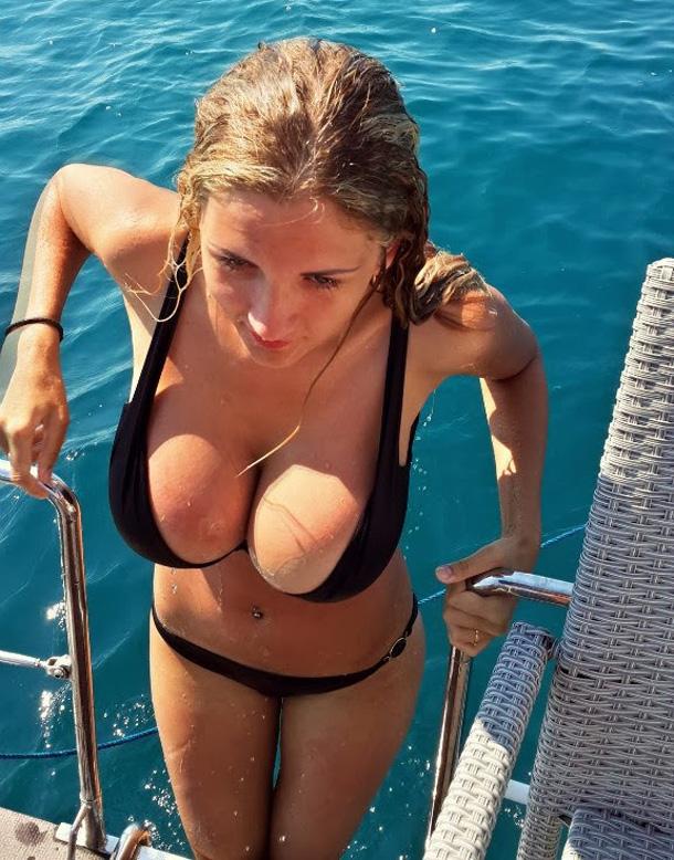 Bikini boob breast cleavage