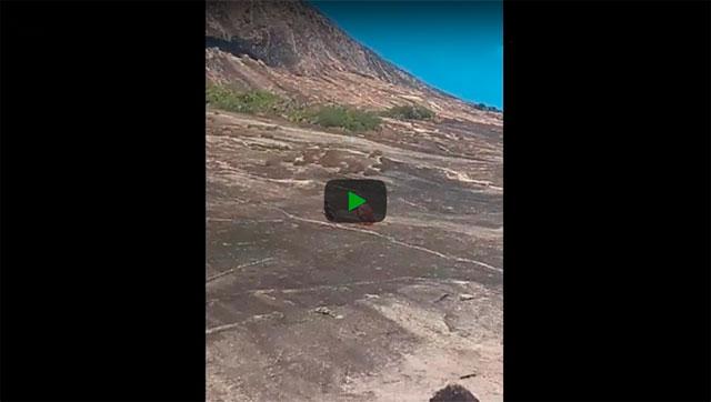 https://www.ahnegao.com.br/2019/01/o-cara-que-se-esforcou-pre-recuperar-seu-guarda-sol-e-foi-ovacionado.html