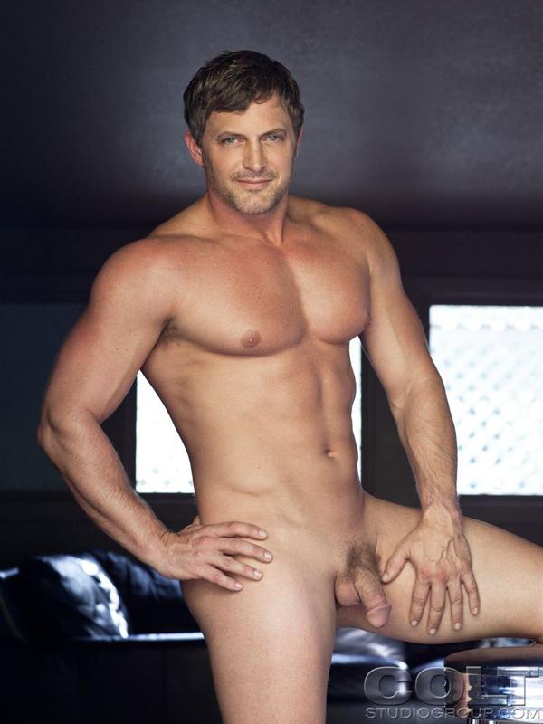 Pictures of naked matt damon