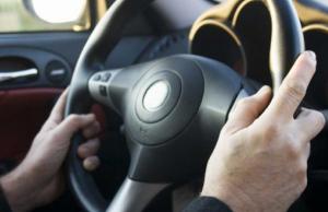 setir mobil bergetar saat kecepatan tinggi - setir mobil bergetar saat direm - cara memperbaiki rem mobil bergetar - rem abs bergetar - mobil bergetar pada kecepatan 100 km - setir mobil bergetar saat jalan rusak - penyebab setir bergetar pada kecepatan tertentu - rem bergetar pada kecepatan tinggi